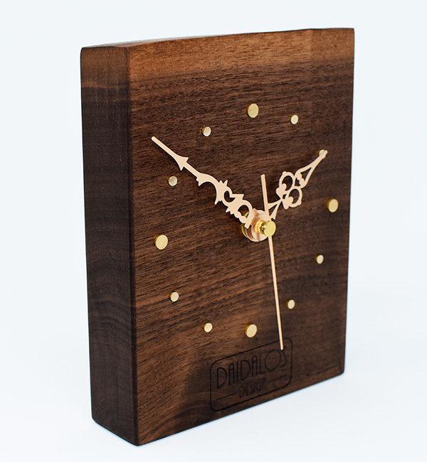 Orologio Da Tavolo Artigianale Legno Raimondo Daidalos Design